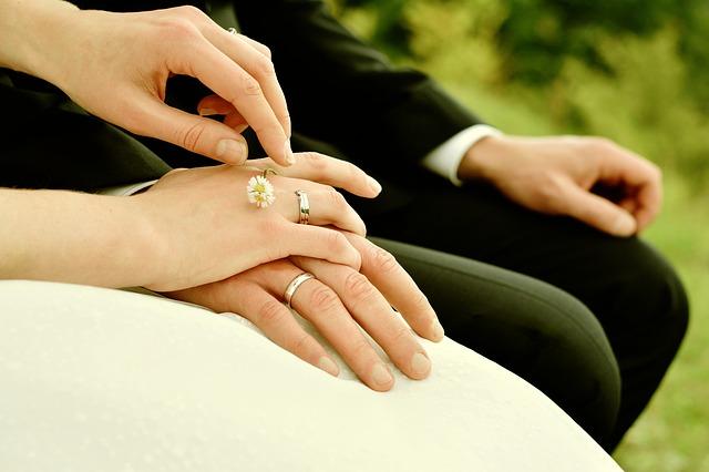 novomanželství