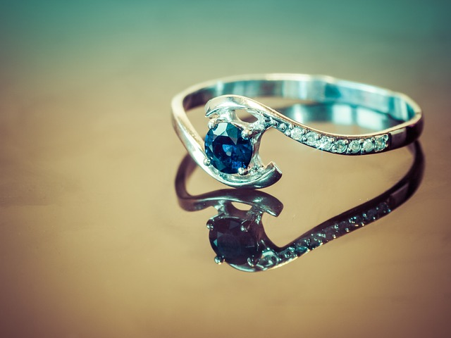 prsten s kamínkem