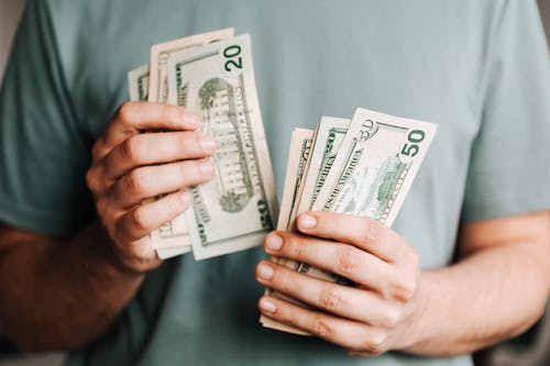peníze ruc